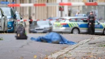 Schüsse in Halle: Erste Festnahme nach tödlichen Schüssen in Halle –  Warnung vor Schusswaffengebrauch in Landsberg