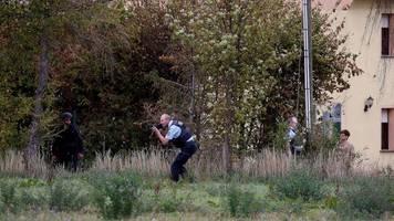 Tödliche Schüsse in Halle: Sicherheitskreise: Hinweise auf Einzeltäter - Keine akute Gefahr mehr in Halle