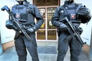is-kämpfer : islam-konvertitin wegen terrorverdacht festgenommen