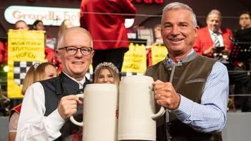 kretschmann und minister besuchen cannstatter wasen
