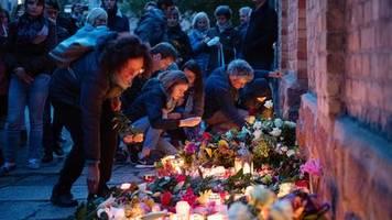 Eine Stadt in Trauer: Der Tag nach dem Anschlag: Wie Halle den Schock verarbeitet