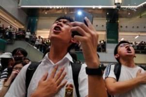 Gegen Richtlinien verstoßen: Nach Druck aus China: Apple löscht Hongkonger Protest-App