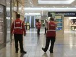 Fünf Menschen in Einkaufszentrum niedergestochen – Festnahme
