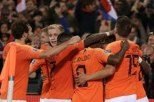 Sieg gegen Nordirland: Lucky Luuk - Niederlande feiern de Jong