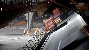 Überladener lkw: drei tote bei einsturz von autobahnbrücke in china