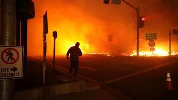 waldbrand in kalifornien: dutzende häuser zerstört