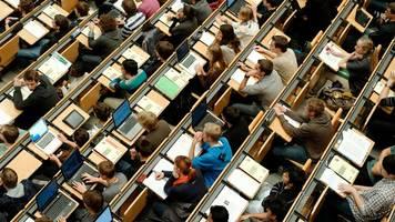 Fast 400 000 Studenten in Bayern eingeschrieben