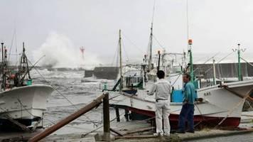 Mindestens ein Toter durch erste Ausläufer von Taifun Hagibis in Japan