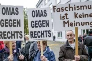 Demonstrationen: Bürger setzen Zeichen gegen Antisemitismus und rechte Gewalt
