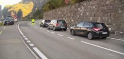 Felssturz: Die Axenstrasse ist  wieder offen