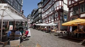 Marburg: Blutiger Streit auf Kirmes – Polizei nimmt drei Männer fest