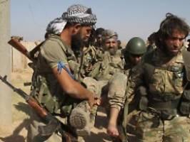 Türkei-Offensive in Nordsyrien: Hunderte IS-Angehörige fliehen aus Lager
