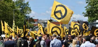 SPD-Politiker Stegner fordert Verbot der Identitären Bewegung
