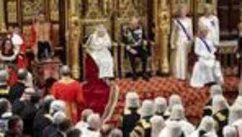 queen elizabeth : die queen verliest regierungserklärung des premierministers