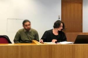 antisemitismus: kippa vom kopf geschlagen: angeklagter entschuldigt sich