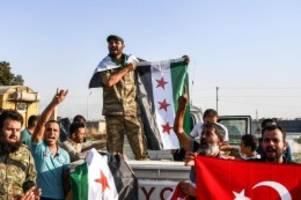 EU-Außenminister beraten: Türkei-Offensive: Syrien schickt Truppen