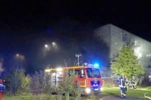 Feuer: Großbrand am Flughafen Münster Osnabrück – Autos in Flammen