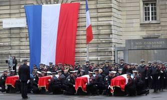 Fünf Festnahmen im Umfeld des Pariser Polizei-Messerstechers