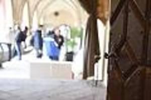 umstrittene zuflucht - bamf lehnt antrag ab, gotteshaus gewährt schutz: steht kirche über dem gesetz?