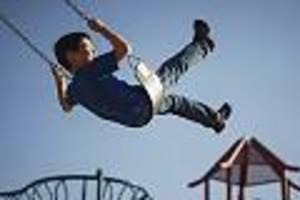 Taschengeld, Verpflegung, Klamotten, Spielzeug - Das kostet ein Kind: In den ersten Jahren, von 6 bis 12 Jahren und als Teenager