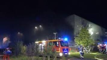 Autos explodieren: Feuer am Flughafen Münster/Osnabrück