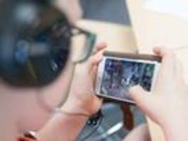 digital-staatsministerin bär gegen breite Überwachung der gamerszene
