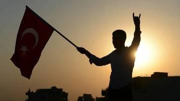 Konflikt in Nordsyrien: USA verhängen Sanktionen gegen Türkei – was hat das für Auswirkungen?