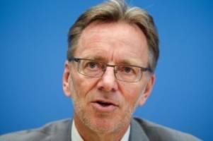 Die Situation ist ernst: Rechter Terror: Behörden wollen Internet stärker beobachten