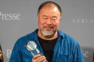 Award Verleihung: Ai Weiwei mag Deutschland und will dennoch weg