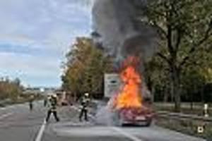 Auf der A95 - Erst blinken die Warnlampen, kurz darauf brennt das Auto lichterloh
