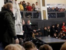 Proteste an Hamburger Uni: AfD-Gründer Lucke kann erste Vorlesung nicht halten