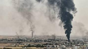 SDF-Chef: Kurden in Syrien und ihre Verbündeten setzen Kampf gegen IS-Miliz aus