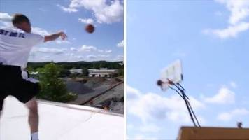 Basketball: Vom Dach aus: Lehrer wirft Korb aus 30 Metern Entfernung
