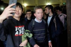 AfD-Gründer: Uni Hamburg: Proteste verhindern Vorlesung von Bernd Lucke