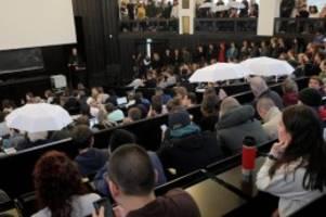 Uni Hamburg: Bernd Lucke an der Uni – Tumulte und Handgreiflichkeiten