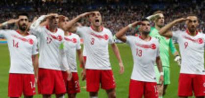 Fussballskandal: «Salutieren sie nicht, bestraft sie Erdogan»