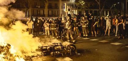 Demonstrationen in Katalonien erneut in Gewalt umgeschlagen