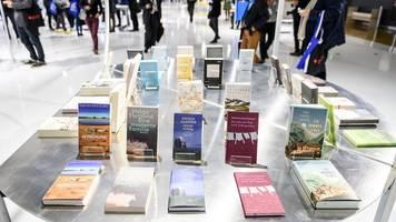 Frankfurter Buchmesse öffnet Hallen: Erster Fachbesuchertag