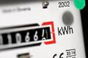 Bezahlen soll der Kunde - Strompreisanstieg kommt: Wie Sie trotzdem richtig viel Geld sparen können