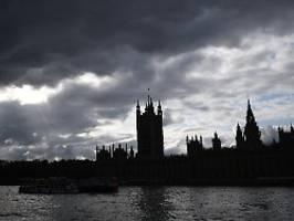 viele unklarheiten: dup will brexit-deal nicht zustimmen