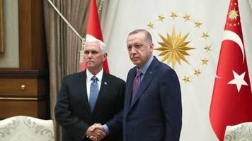 Einmarsch der Türkei: Konflikt in Nordsyrien: USA und Türkei einigen sich auf Waffenruhe