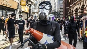 Exportverbot: Proteste in Hongkong: China verbietet Export schwarzer T-Shirts