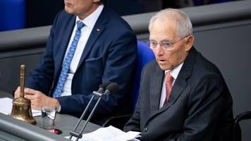 Bundestag gedenkt der Opfer des Terroranschlags von Halle