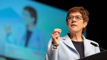 karrenbauer: klimaschutz darf nicht soziale frage werden