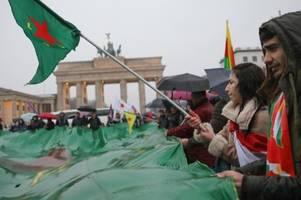 Ausschreitungen bei Kurden-Demo - neun Verletzte