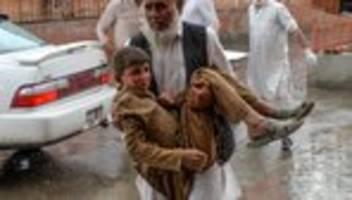 afghanistan: viele tote nach explosion in afghanischer moschee