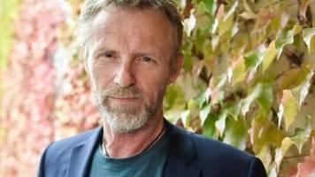 Harry Hole Foundation: Jo Nesbø: Mit Krimi-Einnahmen gegen Analphabetismus