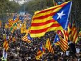 massendemos und neue unruhen in katalanischer hauptstadt barcelona
