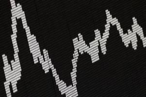 Börse in Frankfurt: DAX: Schlusskurse im XETRA-Handel am 18.10.2019 um 17:55 Uhr