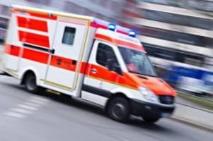 Unfälle: Verletzte Frau nach Auffahrunfall mit Traktor